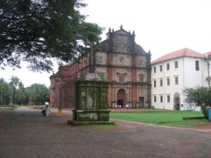 Top India Tourist Destinations Basilica of Bom Jesus